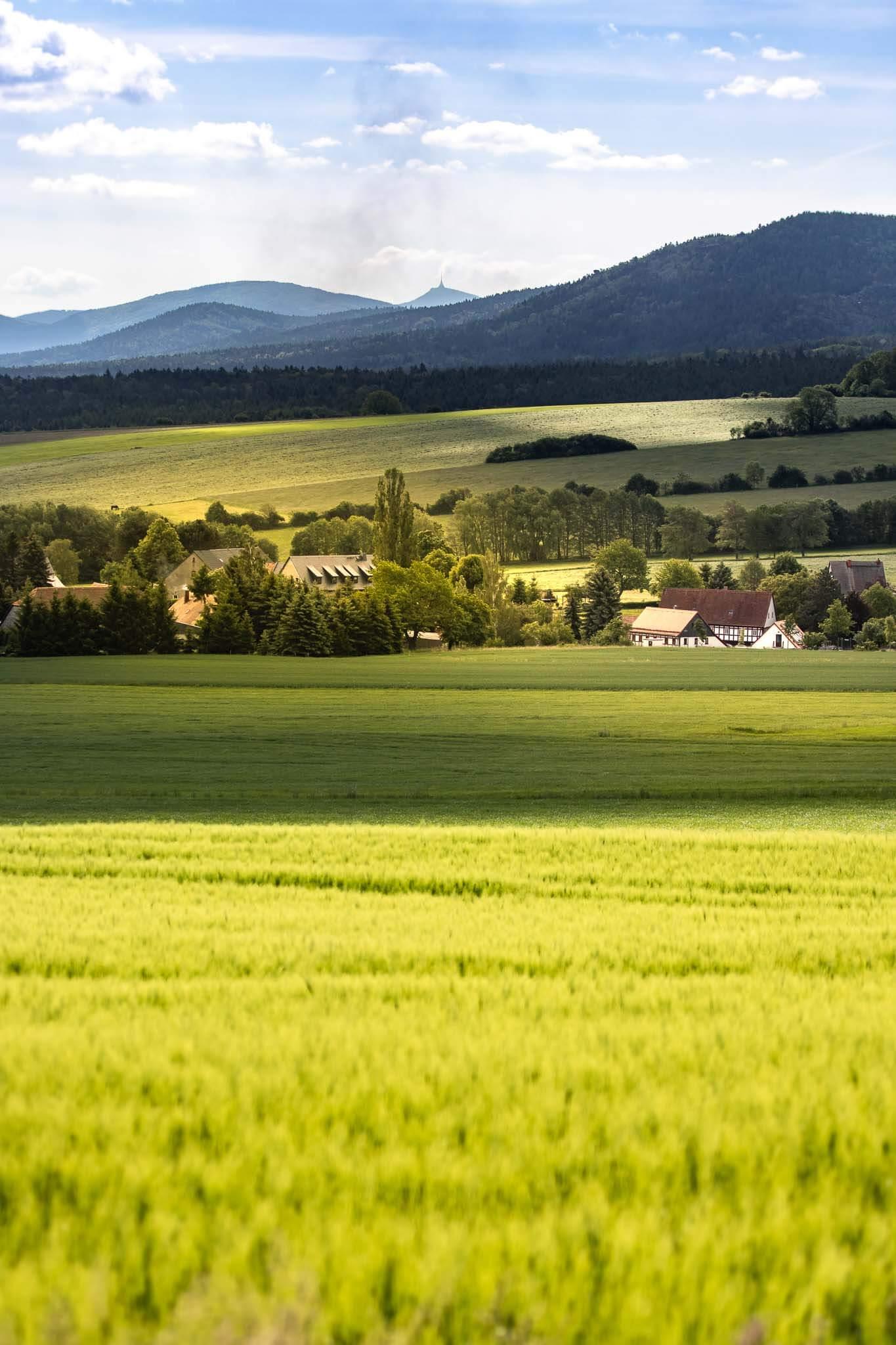Bertsdorf Landschaft Jeschken Zittauer Gebirge Isergebirge